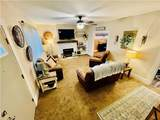 521 Rosslyn Ave - Photo 4