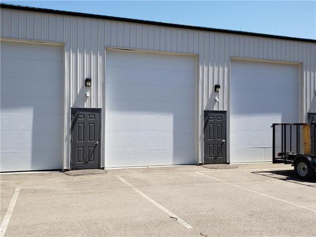 191 Crowe Ave, Adams Twp, PA 16046 (MLS #1340680) :: Keller Williams Realty
