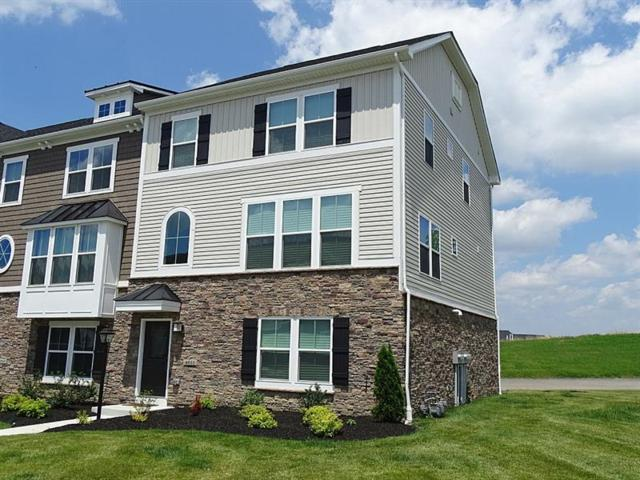 4037 Overview Dr, Cecil, PA 15317 (MLS #1346049) :: Keller Williams Pittsburgh