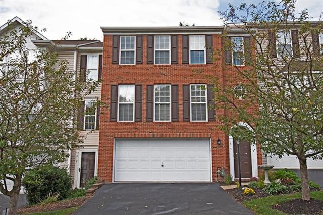 617 Village Green Blvd E, Adams Twp, PA 16046 (MLS #1359296) :: Keller Williams Pittsburgh
