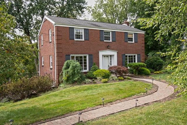 250 W Chapel Ridge Rd, Fox Chapel, PA 15238 (MLS #1360726) :: Keller Williams Pittsburgh
