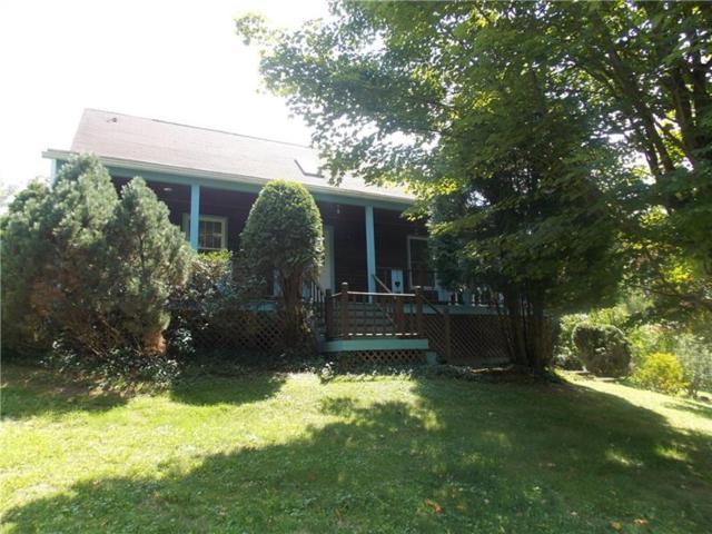 211 Westview Drive, Ligonier Twp, PA 15658 (MLS #1360874) :: Keller Williams Pittsburgh