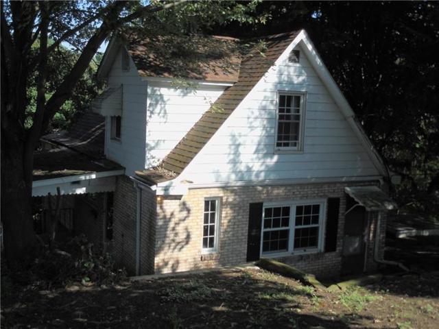 401 Morningside Ave, Jeannette, PA 15644 (MLS #1361158) :: Keller Williams Pittsburgh