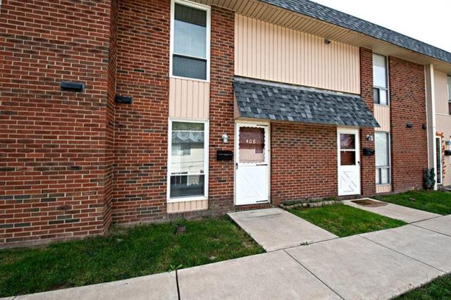 408 College Park Drive, Moon/Crescent Twp, PA 15108 (MLS #1361173) :: Keller Williams Pittsburgh