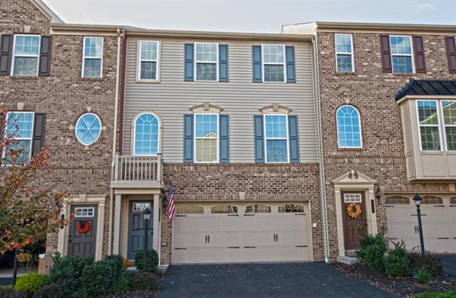 111 Mews Lane, Cranberry Twp, PA 16066 (MLS #1364454) :: Keller Williams Realty