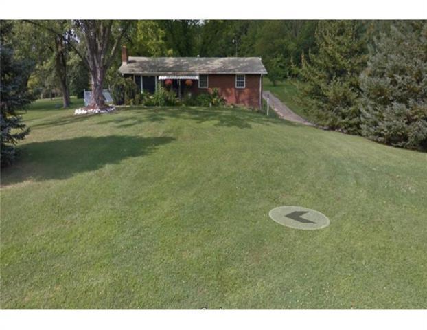 540 Beaver St Ext, Adams Twp, PA 16046 (MLS #1373910) :: The SAYHAY Team