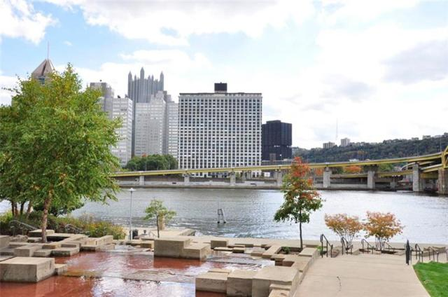 320 Fort Duquesne Blvd 9J, Downtown Pgh, PA 15222 (MLS #1380376) :: The SAYHAY Team
