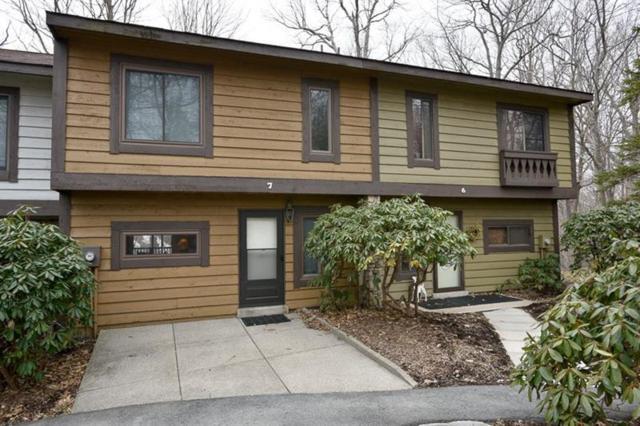 7 Zurich Way, Seven Springs Resort, PA 15622 (MLS #1388823) :: Broadview Realty