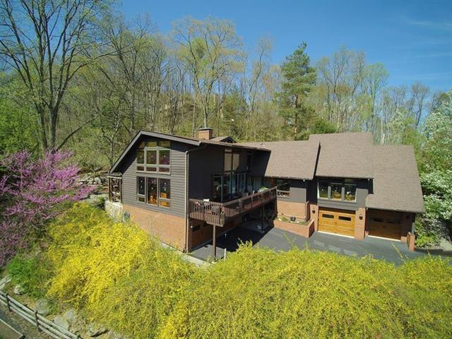 160 Lakeside Dr, Fox Chapel, PA 15238 (MLS #1391587) :: Keller Williams Realty