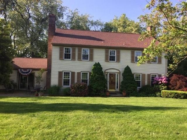 1 Fairway Road, Bell Acres, PA 15143 (MLS #1396775) :: The SAYHAY Team