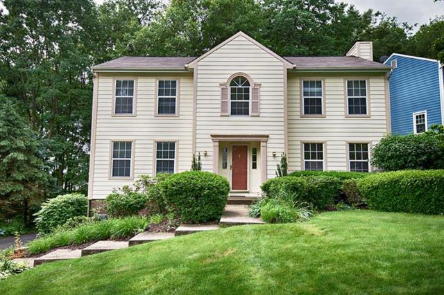 423 Monmouth, Cranberry Twp, PA 16066 (MLS #1398683) :: Keller Williams Realty