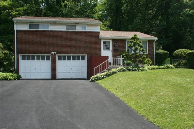 13700 St. Clair Drive, North Huntingdon, PA 15642 (MLS #1398826) :: REMAX Advanced, REALTORS®