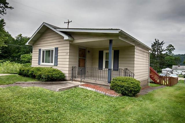 162 Mcgovern Blvd, Moon/Crescent Twp, PA 15046 (MLS #1402292) :: REMAX Advanced, REALTORS®
