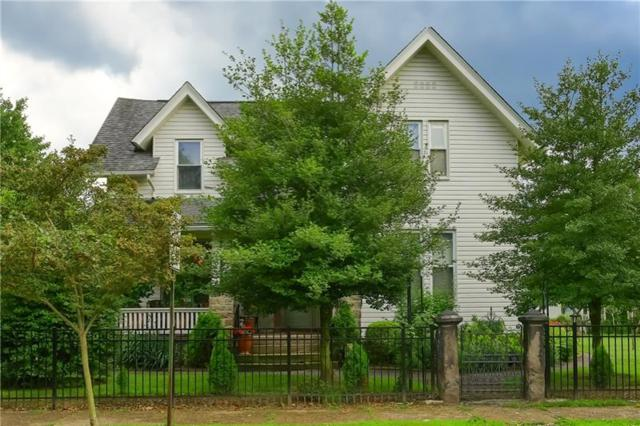 710 Thorn St, Sewickley, PA 15143 (MLS #1408955) :: The SAYHAY Team