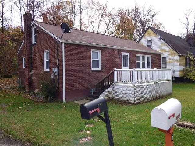 7 Maple St, Bell Acres, PA 15003 (MLS #1427217) :: The SAYHAY Team
