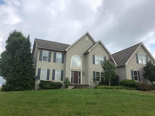 531 Foxchase Ln, Cook Twp, PA 15658 (MLS #1427515) :: The SAYHAY Team