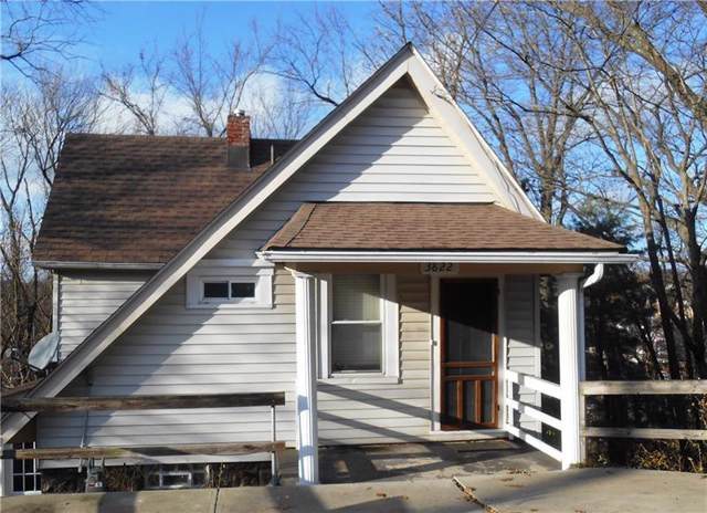 3822 Prospect Ave, Castle Shannon, PA 15234 (MLS #1429021) :: Dave Tumpa Team