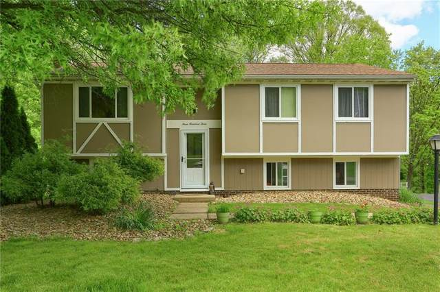 303 Leatherbark Rd, Cranberry Twp, PA 16066 (MLS #1449178) :: Broadview Realty