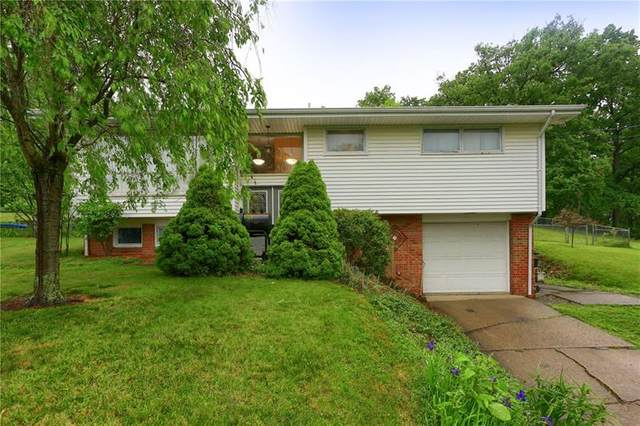 135 Woods Ave, Center Twp - Bea, PA 15061 (MLS #1449479) :: Dave Tumpa Team