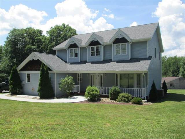 213 Oak Dr, East Franklin Twp, PA 16201 (MLS #1453948) :: RE/MAX Real Estate Solutions