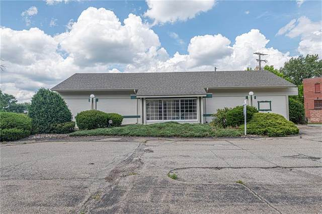 501 Division St, Jeannette, PA 15644 (MLS #1454165) :: Dave Tumpa Team