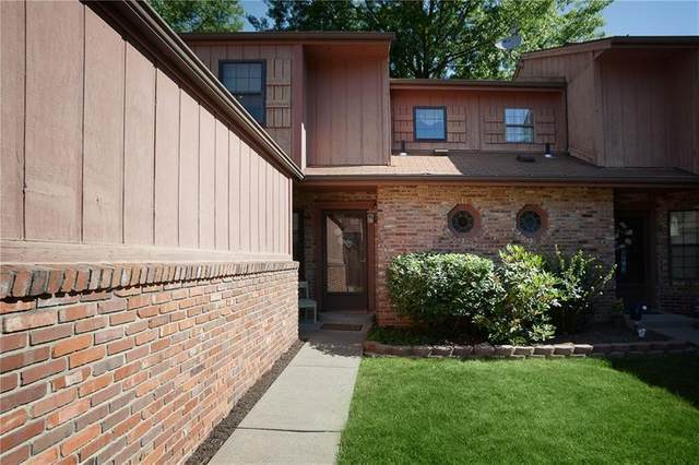 1349 Lexington Dr., Cecil, PA 15055 (MLS #1454369) :: Dave Tumpa Team