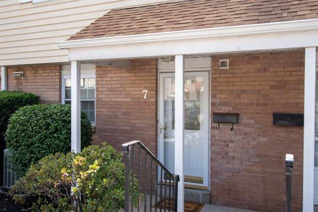 7 Oxford Ct, Mccandless, PA 15237 (MLS #1454550) :: RE/MAX Real Estate Solutions