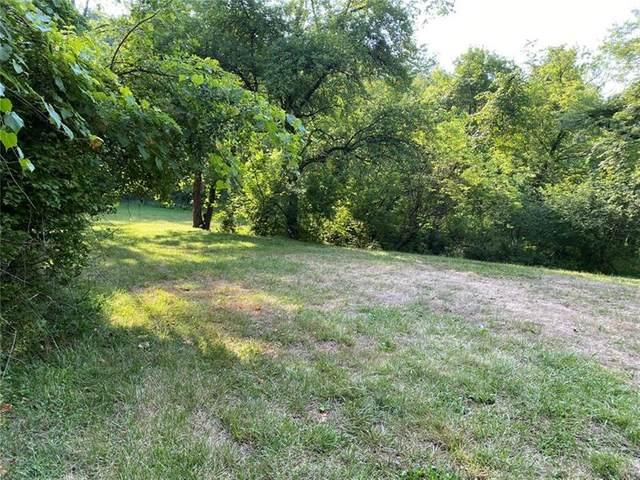 6 Willow Farms Lane, Fox Chapel, PA 15238 (MLS #1457076) :: Broadview Realty
