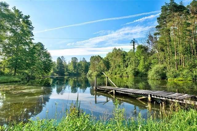 8 Beaver Ponds Lane, Jackson Center Boro, PA 16133 (MLS #1460474) :: Dave Tumpa Team
