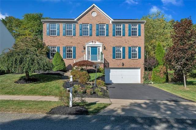 6003 Hawthorn Dr, Moon/Crescent Twp, PA 15108 (MLS #1470697) :: The SAYHAY Team