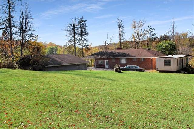 1 Park Dr, Smith, PA 15004 (MLS #1474311) :: The SAYHAY Team