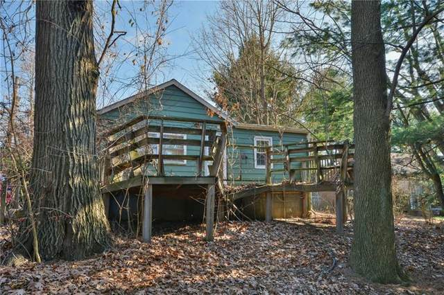108 Oakwood Rd, Moon/Crescent Twp, PA 15108 (MLS #1477866) :: RE/MAX Real Estate Solutions