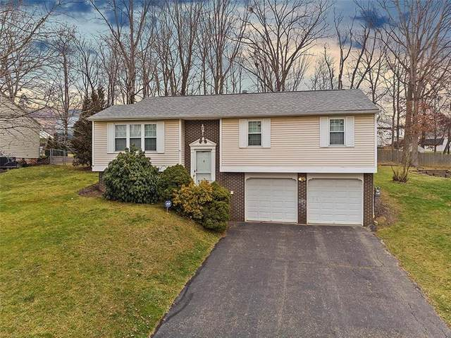 533 Chaparral Dr, Cranberry Twp, PA 16066 (MLS #1483425) :: The SAYHAY Team