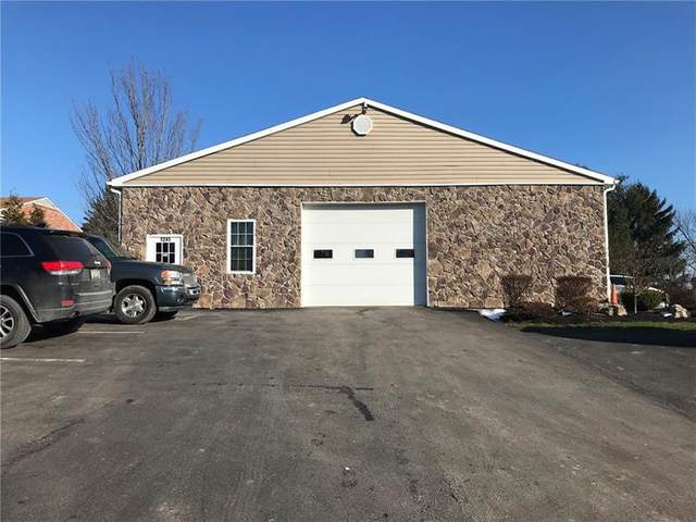 1245 Maple St Ext, Moon/Crescent Twp, PA 15108 (MLS #1483542) :: Dave Tumpa Team