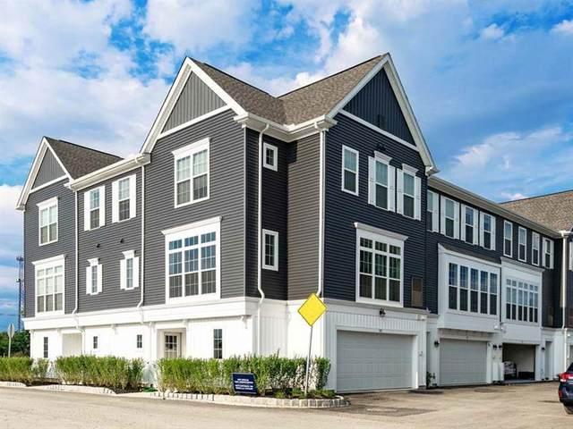 2123 Garden Landing, South Fayette, PA 15017 (MLS #1485252) :: Dave Tumpa Team