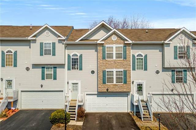 552 Ten Point Ln, Cranberry Twp, PA 16066 (MLS #1490020) :: The SAYHAY Team