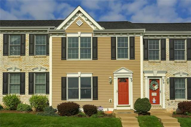 32 Castleview Dr, Kennedy Twp, PA 15136 (MLS #1494112) :: The SAYHAY Team