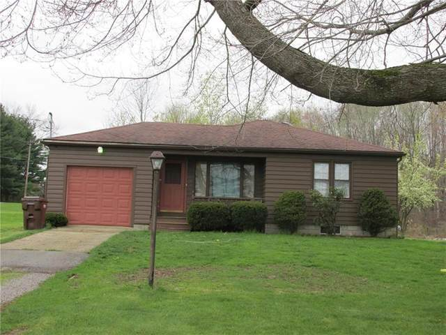 101 Birchwood, Pymatuning Twp, PA 16154 (MLS #1494830) :: The SAYHAY Team