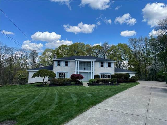 300 Turngate Dr, Bethel Park, PA 15102 (MLS #1496029) :: The SAYHAY Team