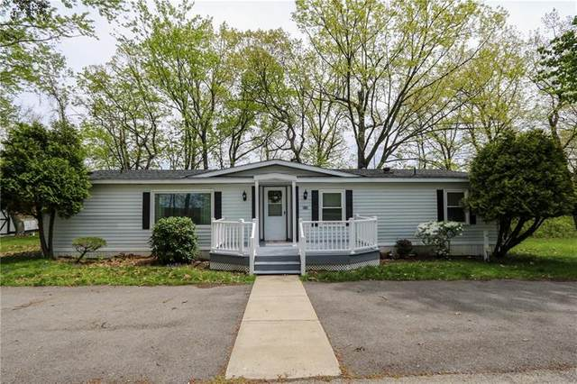215 Willow Drive, Cranberry Twp, PA 16066 (MLS #1499177) :: The SAYHAY Team