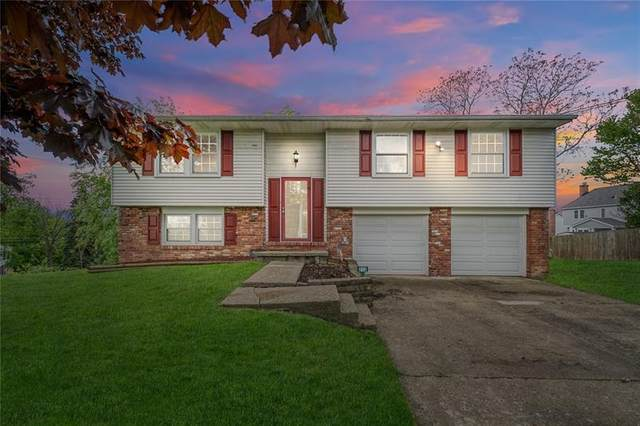 213 Windy Hill Dr, Moon/Crescent Twp, PA 15108 (MLS #1500012) :: The SAYHAY Team