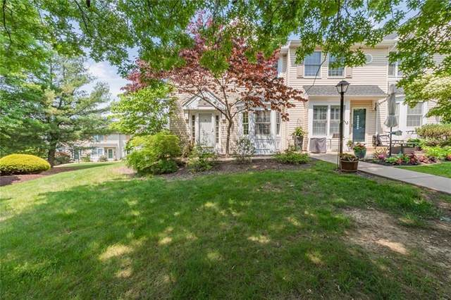 392 Jubilee Dr, Cecil, PA 15017 (MLS #1503793) :: The SAYHAY Team