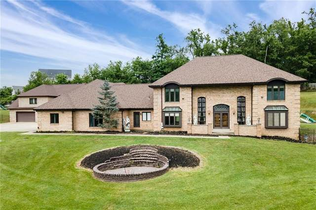 140 Countryview Dr, Robinson Twp - Nwa, PA 15136 (MLS #1506891) :: The SAYHAY Team