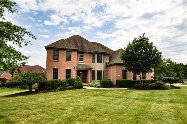 204 Dorsay Valley Drive, Cranberry Twp, PA 16066 (MLS #1507183) :: The SAYHAY Team