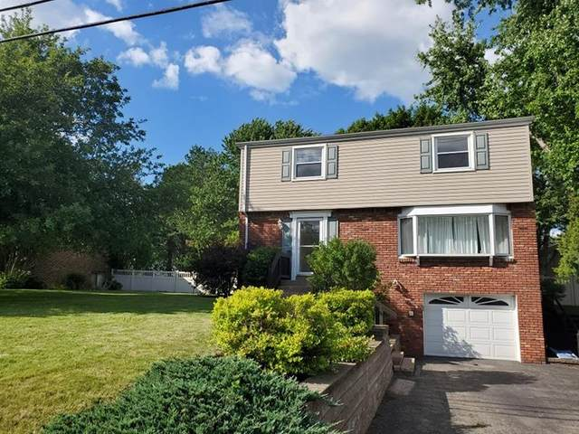 29 Rolling Rd, Cranberry Twp, PA 16066 (MLS #1507563) :: The SAYHAY Team