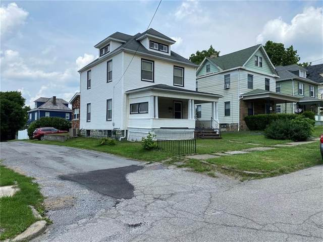 909 Marshall Ave, New Castle/4Th, PA 16101 (MLS #1512203) :: The SAYHAY Team