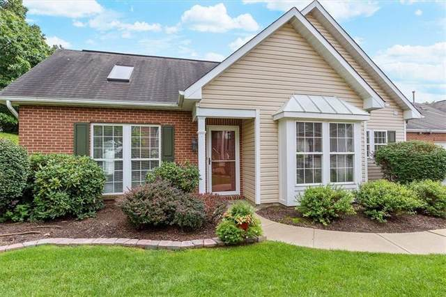 6011 Belle Terre Ct, South Fayette, PA 15017 (MLS #1522435) :: Dave Tumpa Team