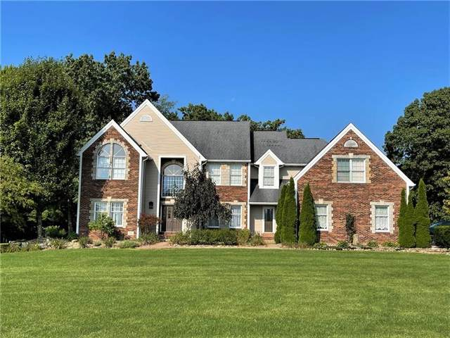1150 Oak Hill Lane, Springfield Twp - Mer, PA 16156 (MLS #1524618) :: Dave Tumpa Team
