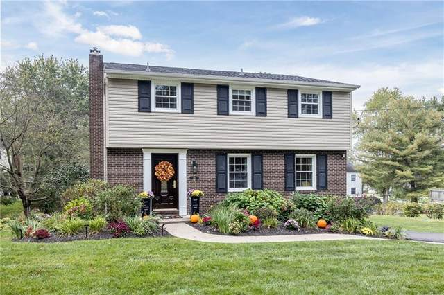 282 Carmell Drive, Upper St. Clair, PA 15241 (MLS #1526076) :: The SAYHAY Team