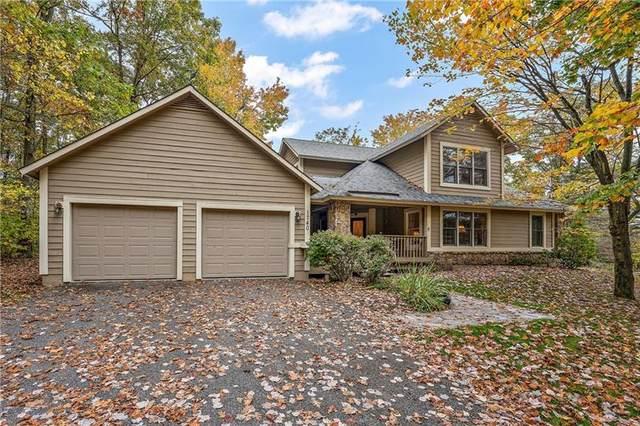 1740 Hightop Drive, Hidden Valley, PA 15502 (MLS #1526946) :: Dave Tumpa Team
